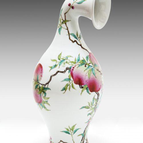没顶曲项瓶–清雍正粉彩桃蝠纹橄榄瓶